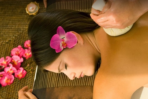 Thai Traditional Massage (Bai Mint)